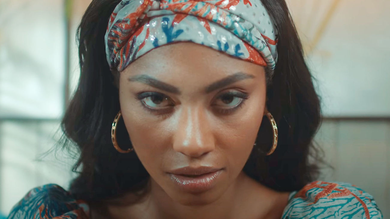 Nia nos presenta su nuevo single 'Malayerba'