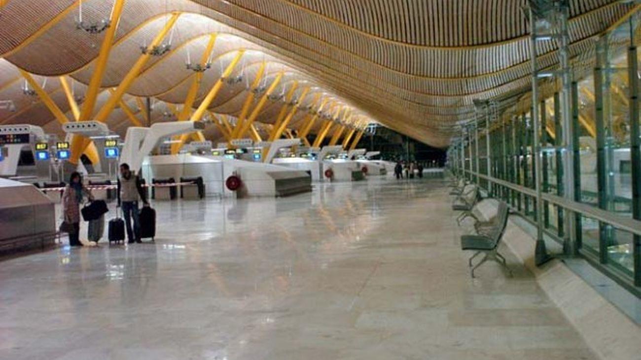Aspecto de la terminal T-4 del aeropuerto de Barajas este mes de octubre