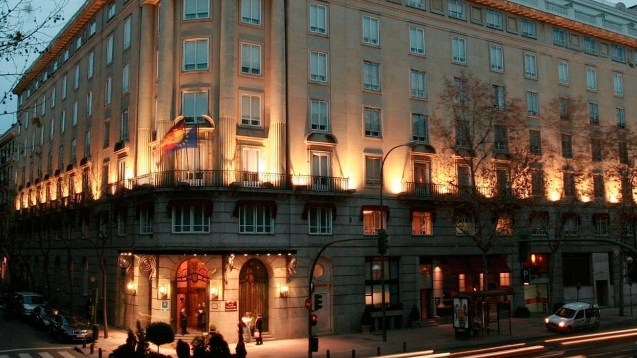 Fachada del Hotel Wellington en Madrid