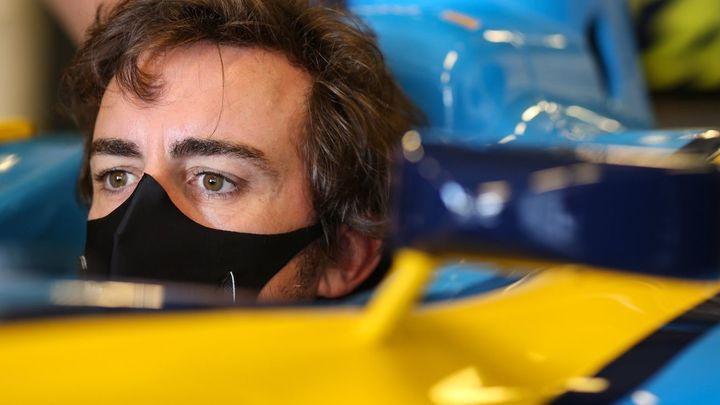 Fernando Alonso impresiona con el Renault RS20