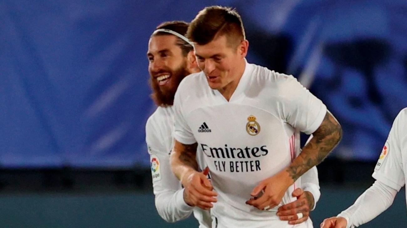 Sergio Ramos y Kroos
