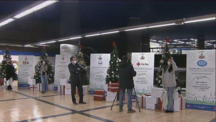 Los 'árboles de los deseos' llegan al metro de Madrid