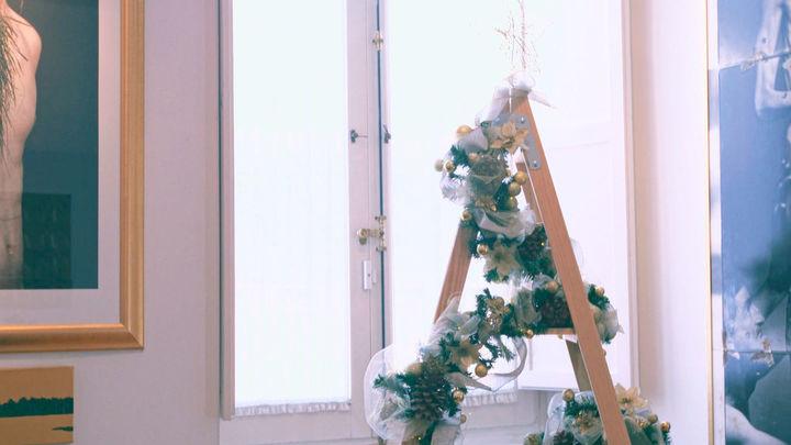El árbol de Navidad conceptual de una vivienda de Chueca