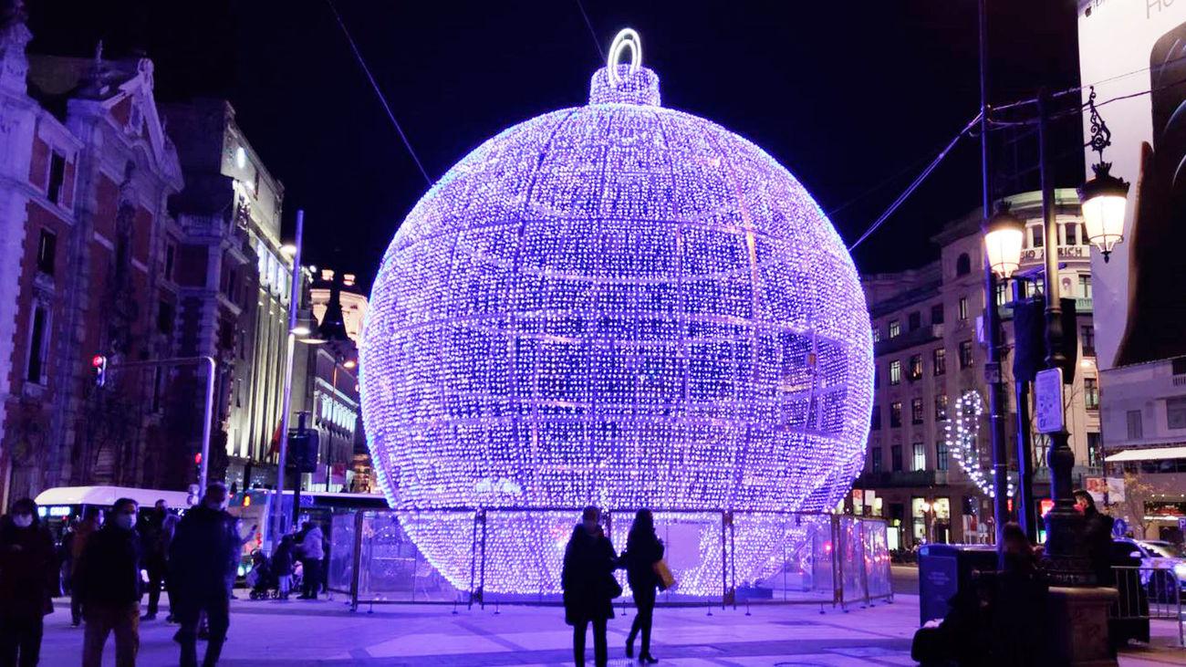 El Ayuntamiento descarta la propuesta socialista de apagar las luces navideñas y apuesta por la iluminación