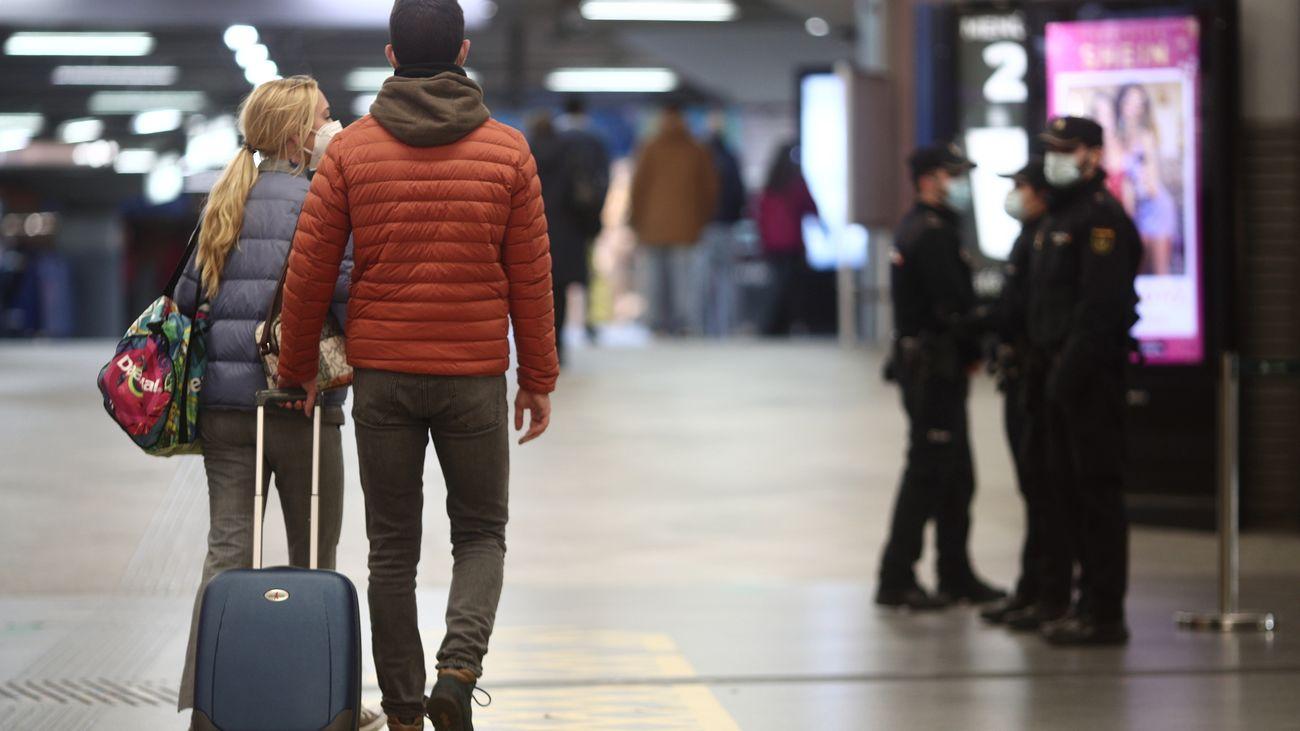 Viajeros en la estación de Atocha