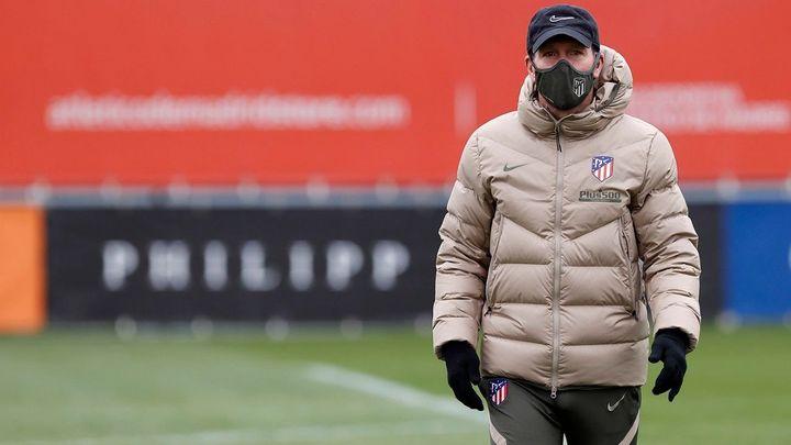 """Simeone: """"Vi bastante bien a Diego Costa y ante el Elche estará con nosotros"""""""