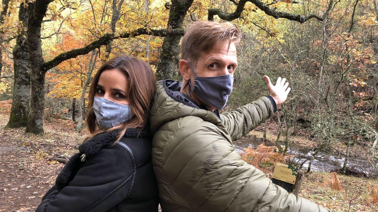 Carmen y Óscar en el Hayedo de Montejo
