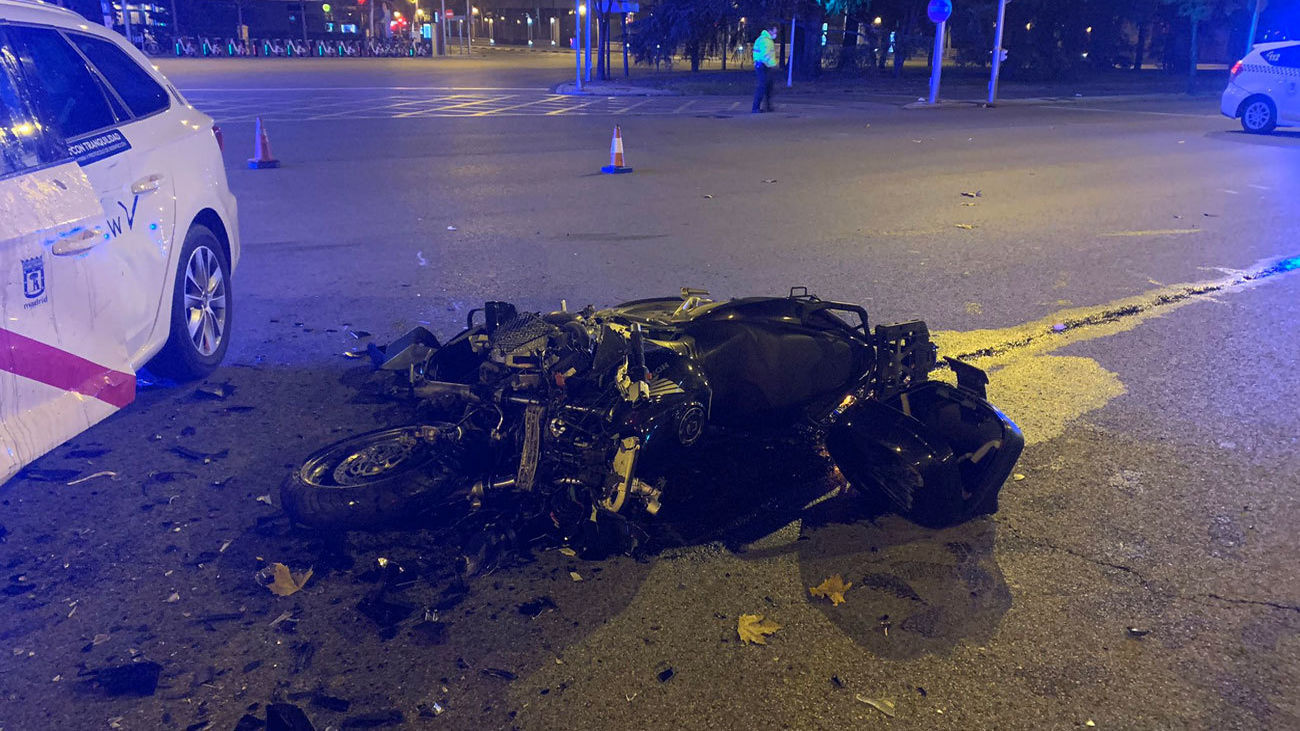 Estado en que quedó la moto tras el accidente