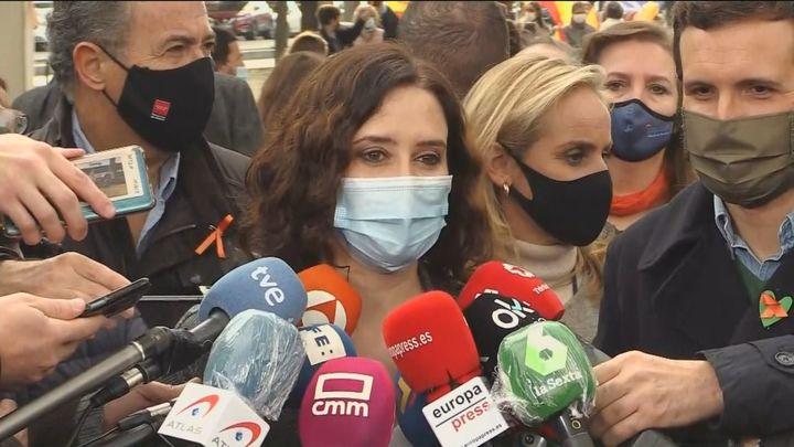 """Ayuso asegura que Madrid distribuirá en """" tiempo récord"""" las vacunas contra el Covid"""