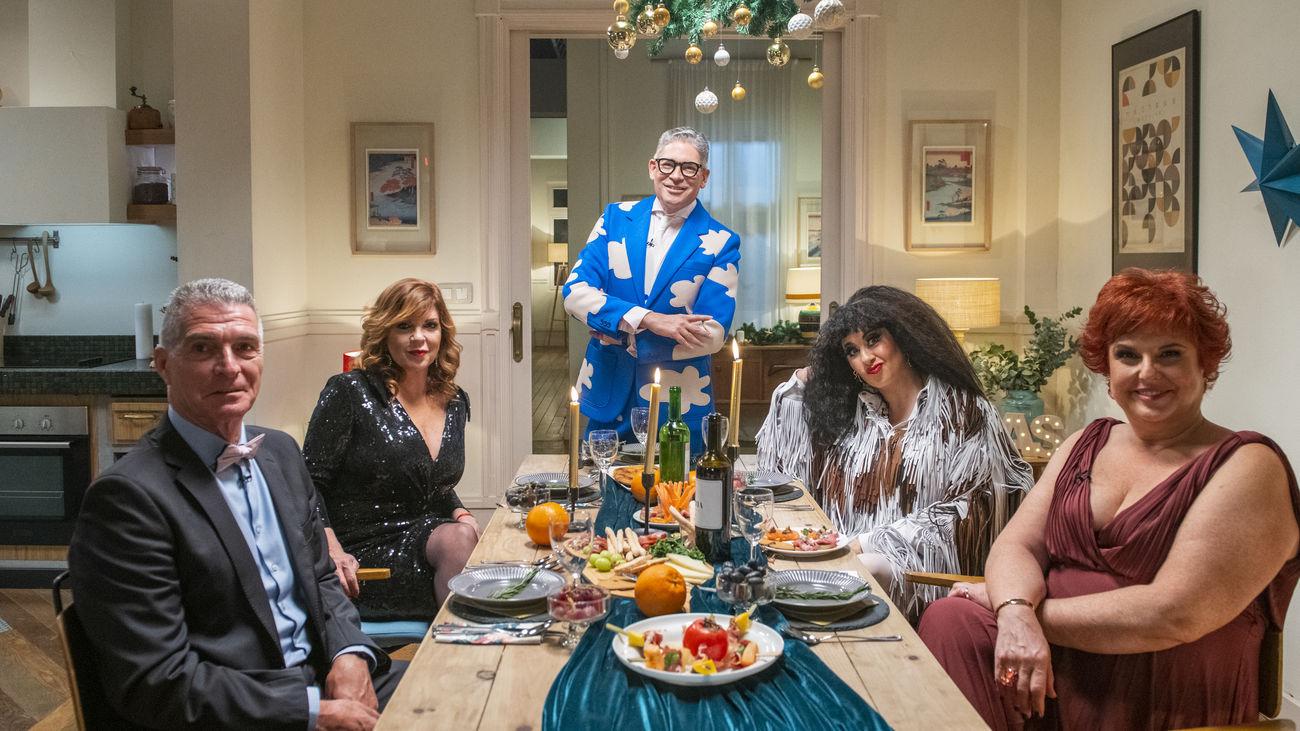 Boris Izaguirre ejerce de anfitrión en el especial de Nochevieja de Telemadrid.