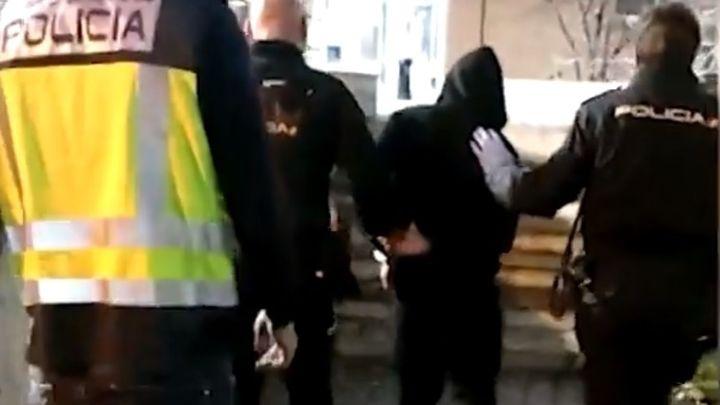 Dos ñetas detenidos en Vallecas por apuñalar a un joven que se negó a grabar un vídeo ofensivo