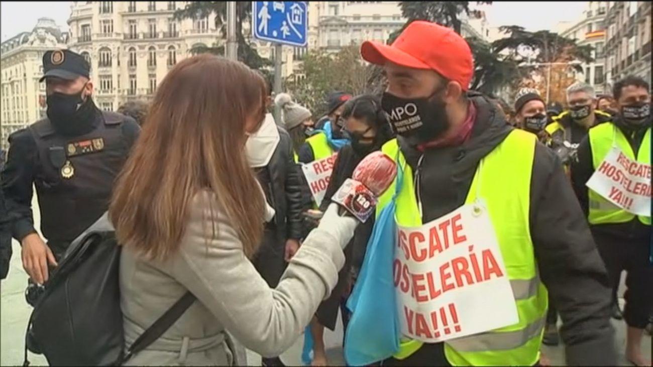 Llegan hasta el Congreso los hosteleros gallegos tras caminar 600 kilómetros para pedir ayudas