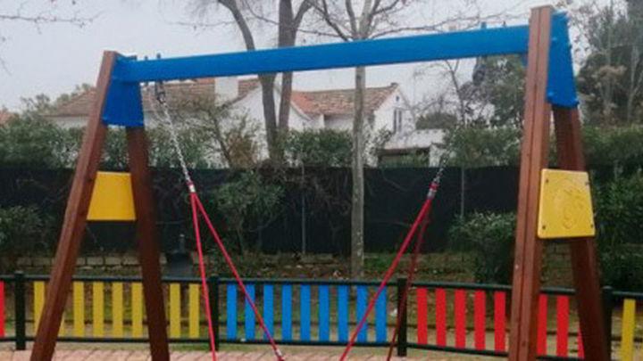 El Ayuntamiento de Algete repara la zona de infantil de Prado Norte que fue destruida por vándalos en verano