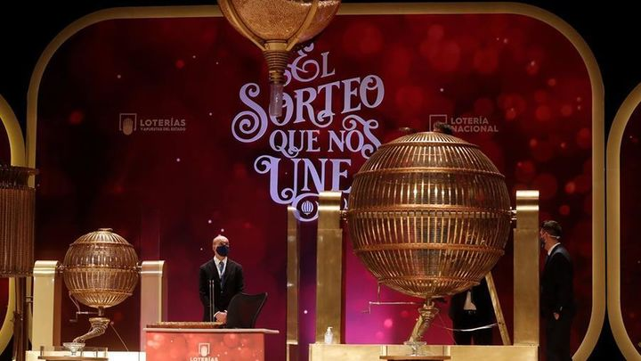 El 6.095, el segundo premio de la Lotería de Navidad vendido en  Alcalá de Henares y en la capital