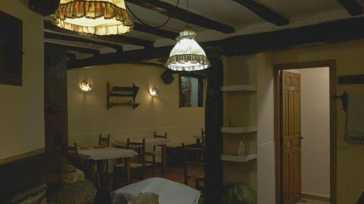 Cocina y familia en los fogones del restaurante más antiguo de Montejo de la Sierra