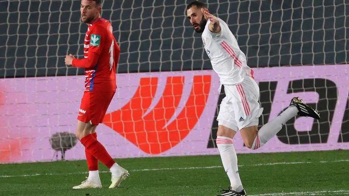 2-0. Casemiro y Benzema dan un sufrido triunfo al Real Madrid ante el Granada