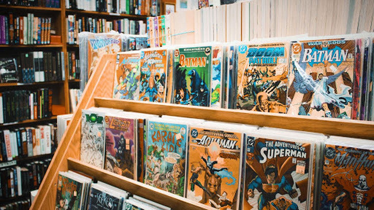 Rincón dedicado a los cómics en la biblioteca de El Molar