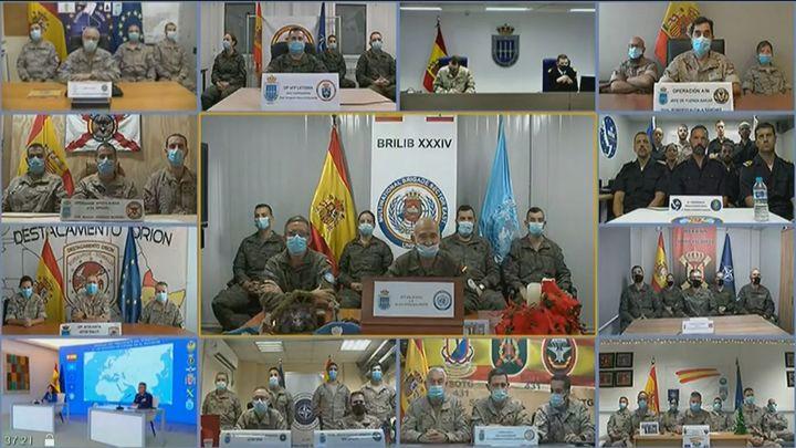 """Sánchez agradece a los militares en el extranjero su labor """"callada al servicio de la democracia"""""""