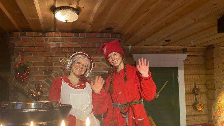 Una emocionante visita a la cabaña navideña de Mamá Noel