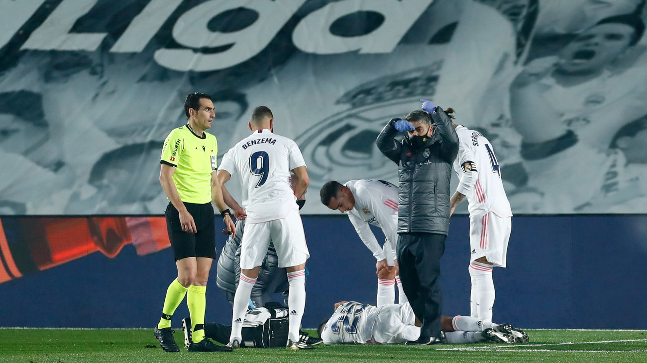 El delantero del Real Madrid, Rodrygo Goes, cayó lesionado en el partido de Liga frente al Granada