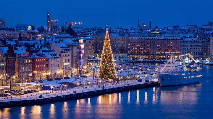 Vista de la ciudad vieja de Estocolmo en Navidad