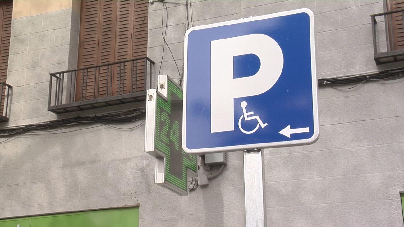 Plaza de aparcamiento reservada para personas con discapacidad