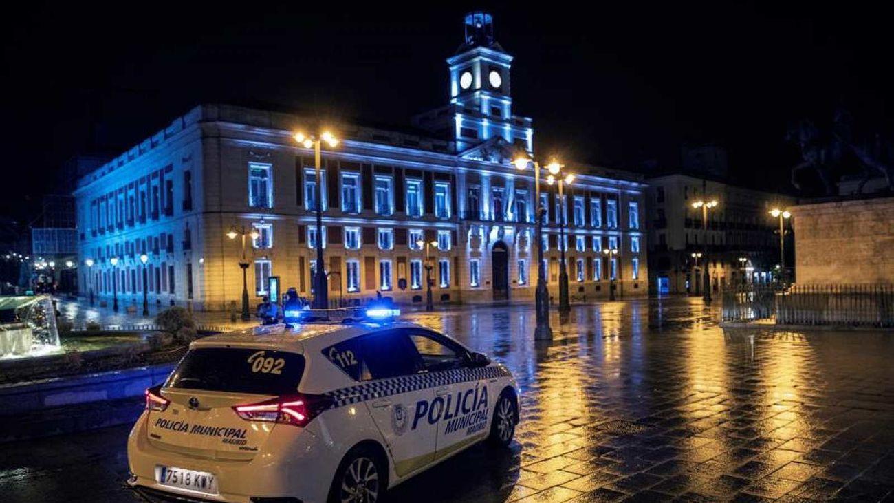 Patrulla nocturna de la Policía Municipal en la Puerta del Sol