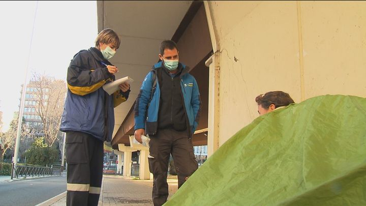El  Samur Social atiende a 70 personas en Madrid en plena campaña del frío
