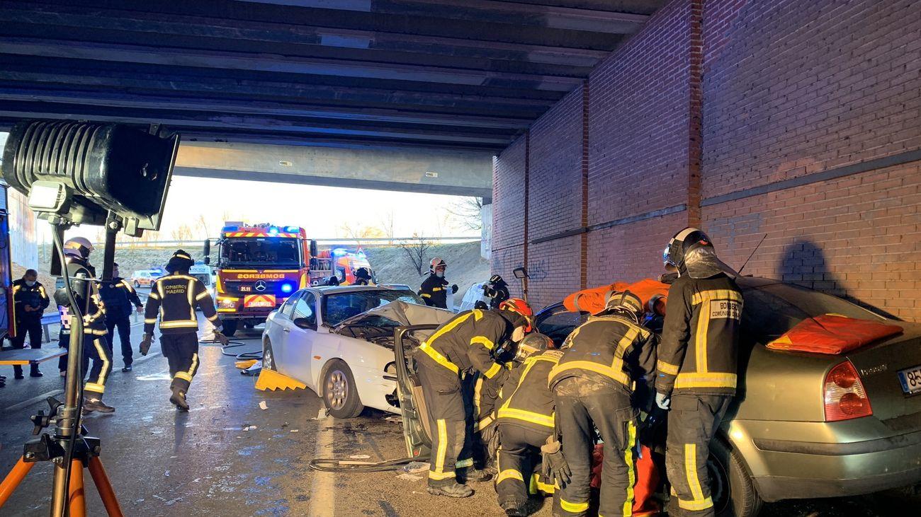 Accidente frontal en el túnel que hay debajo de la A-2 en San Blas