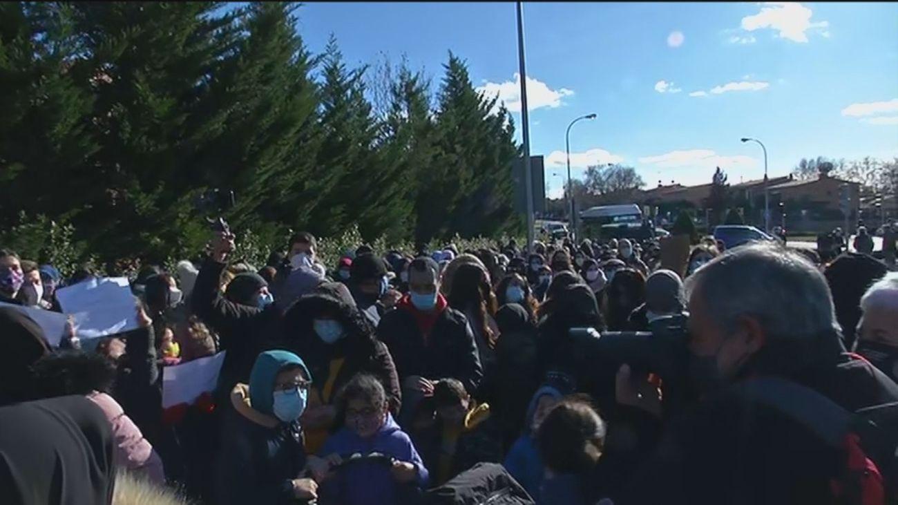 Se recrudecen las protestas de los vecinos de la Cañada Real tras llevar tres meses sin luz