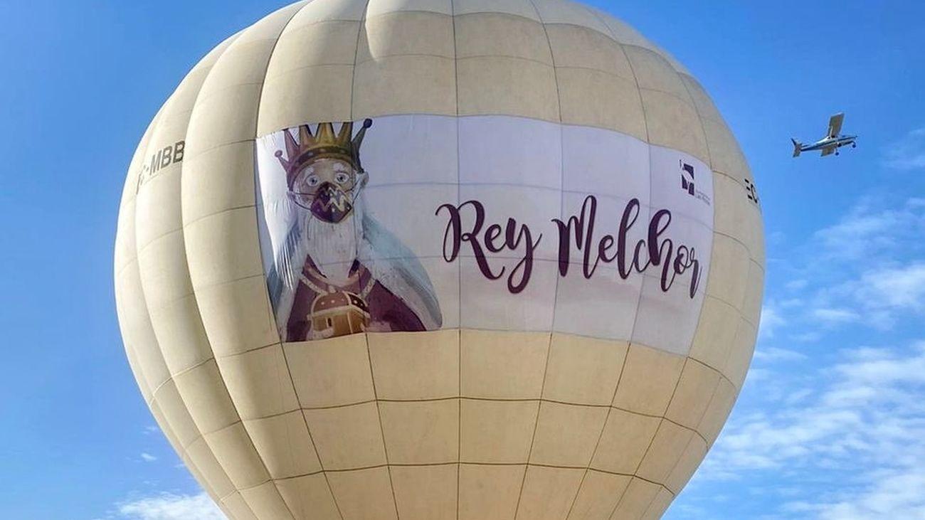 ¡Ya llegan los Reyes Magos a Las Rozas en globo aerostático!