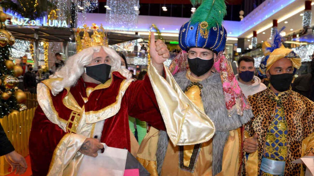 El polémico bolo de Omar Montes y Kiko Rivera como 'Reyes Magos' en un centro comercial