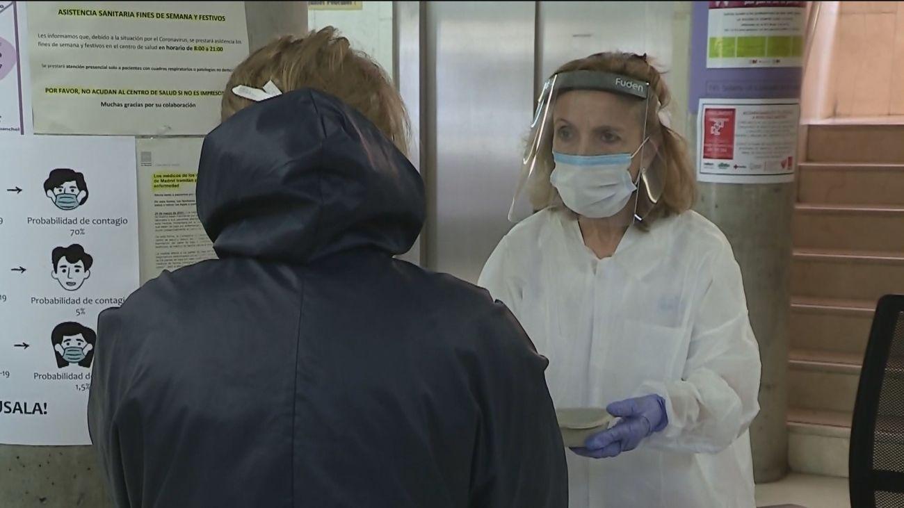 Sanidad registra 23.700 nuevos casos de Covid-19 y 352 fallecidos más en España