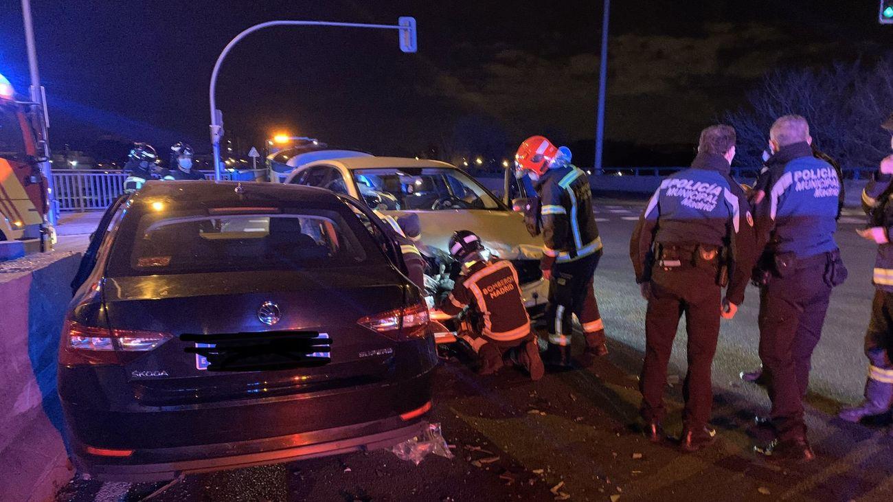 Accidente de dos coches en Villaverde
