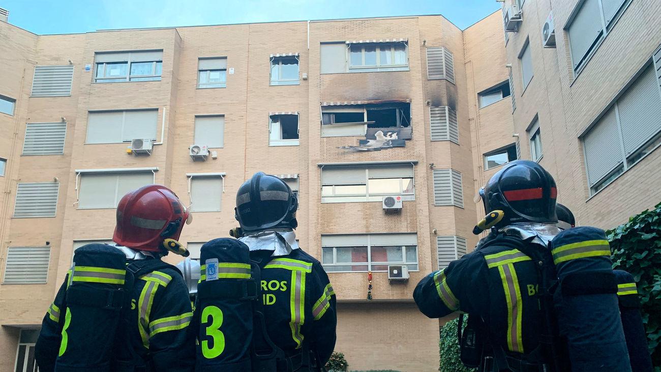 Rescatada una mujer y atendidas 6 personas en un incendio en Villaverde Bajo