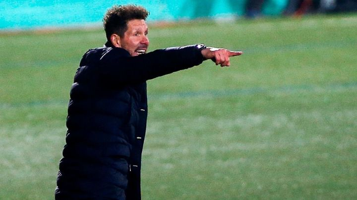 """Simeone deja su futuro en el aire: """"Habrá que buscar soluciones, si es que estamos el año que viene"""""""