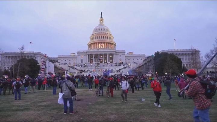 La oposición recuerda lo sucedido en el Congreso y en el Parlament al condenar el asalto al Capitolio
