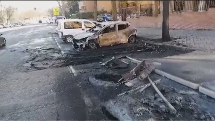Vandalismo en Vallecas, con varios coches calcinados en la noche de Reyes