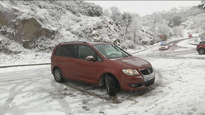 Un total de 190 carreteras de la red principal afectadas por el temporal de nieve