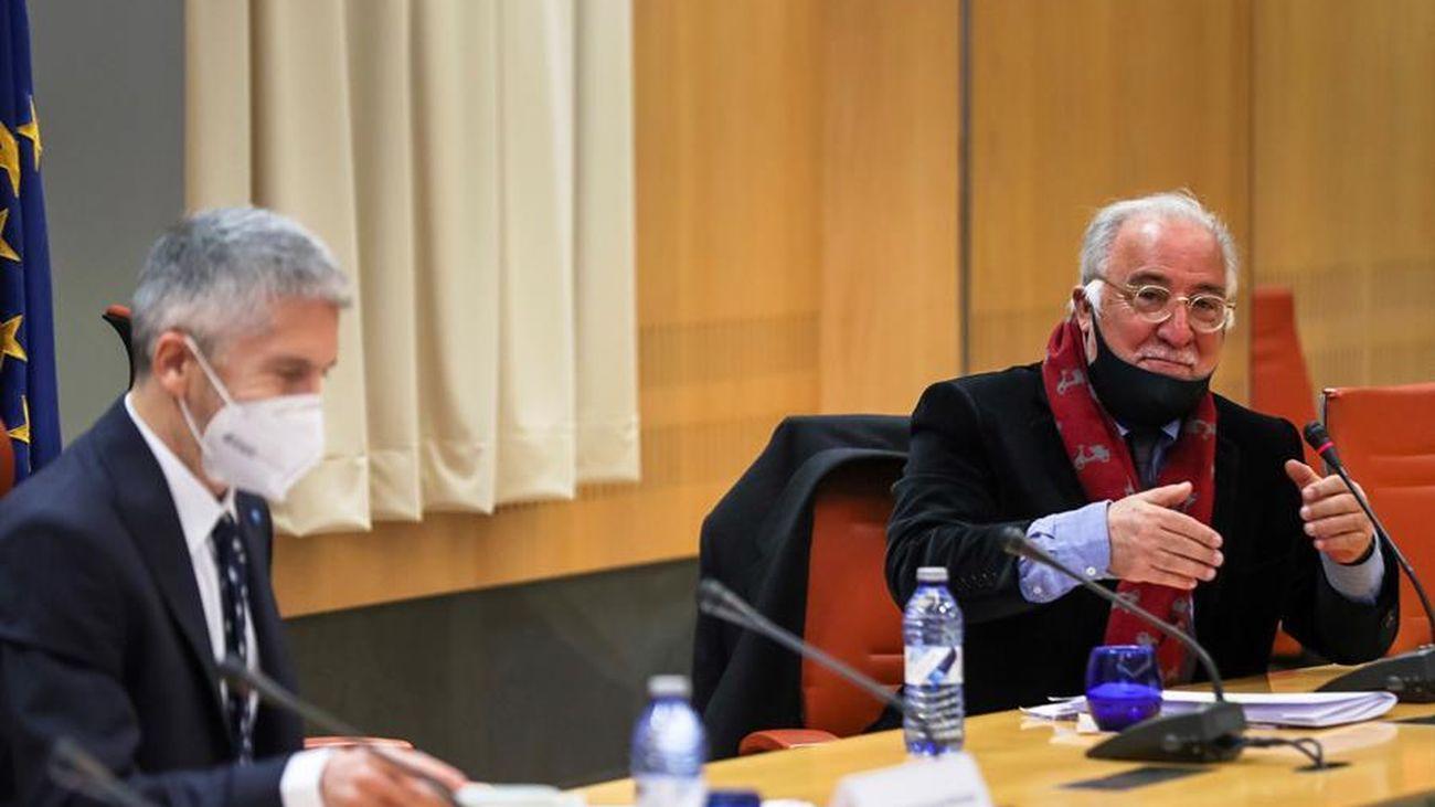 El ministro del Interior, Fernando Grande-Marlaska, y el director general de Tráfico, Pere Navarro