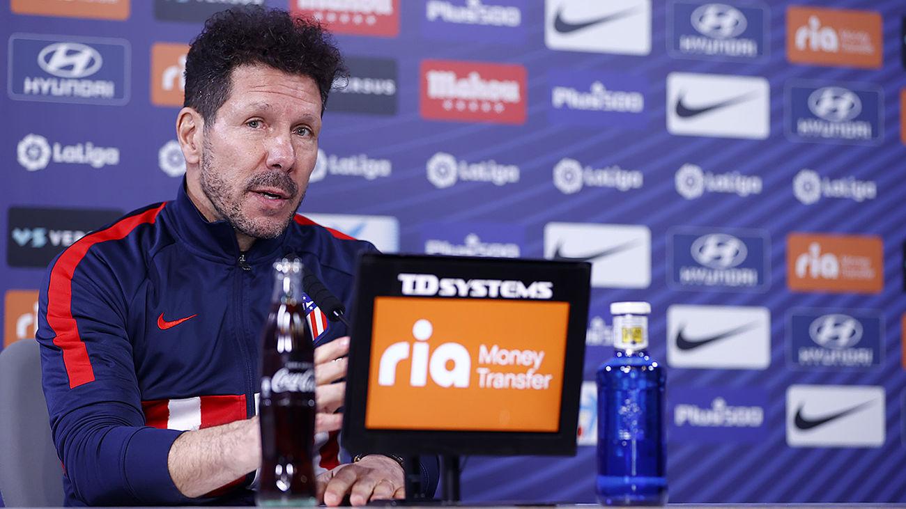 """Simeone despeja dudas: """"No hay que buscar tanto, estoy muy feliz en el Atleti"""""""