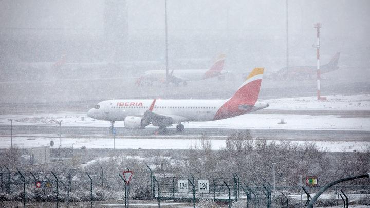 Atrapados en un avión a causa de la nieve