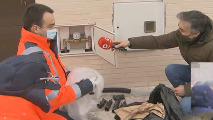 Los técnicos aconsejan proteger el contador del agua de las heladas