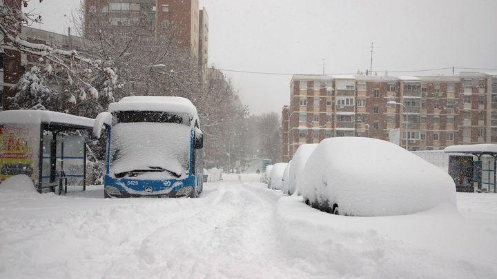 Madrid suspende autobuses interurbanos y refuerza transportes de Emergencias