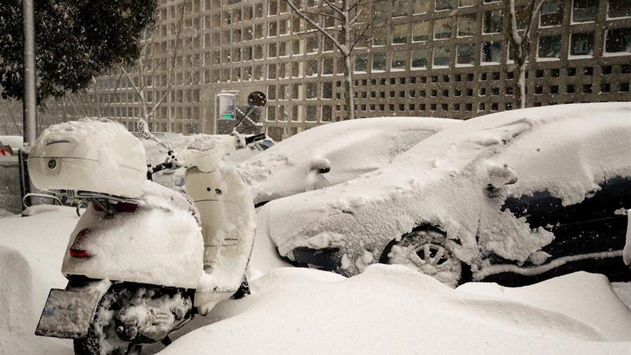 Coches cubiertos por la nevada Filomena
