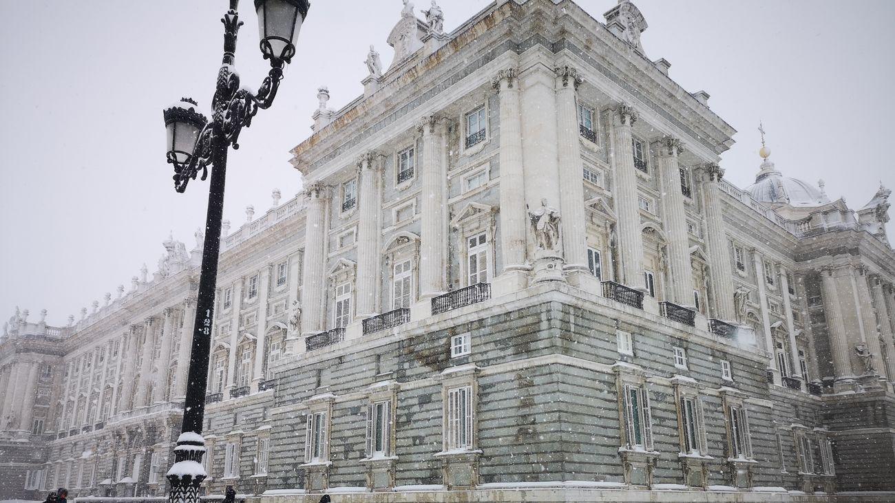 Estampa del Palacio Real de Madrid tras el paso de Filomena