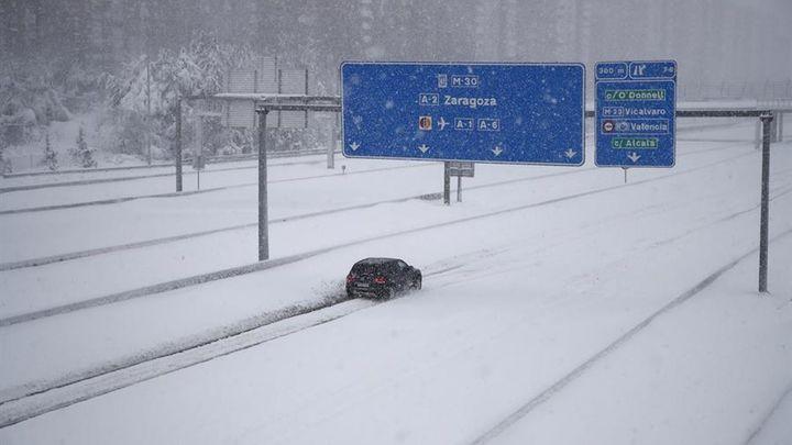 La experiencia de vivir más de 10 horas atrapado en tu coche por la nevada en Madrid