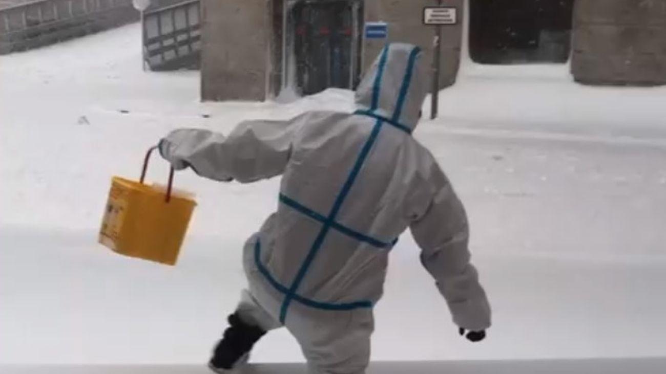 Las imágenes que deja la nieve en el Hospital Clínico