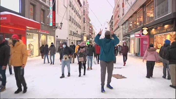 El centro de Madrid abarrotado a pesar de las recomendaciones de no salir de casa