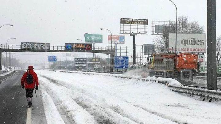 Madrid, casi aislada por carretera con muchos cortes en las vías de acceso y salida